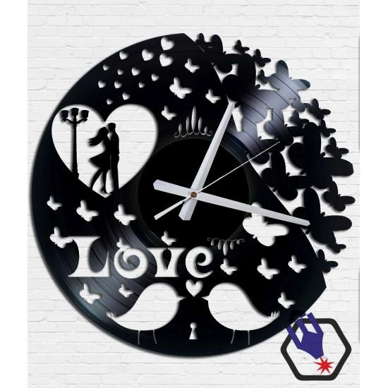 Love #1. Bakelit falióra